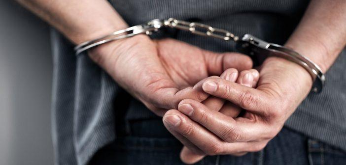 esposas-detenido