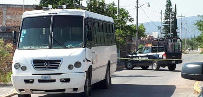 Ejecutan a chofer de transporte público en plena ruta