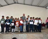 Reconocimientos a alumnos destacados