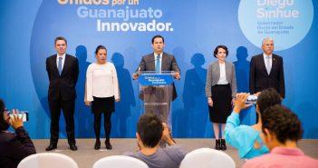 Presenta Diego Sinhué primeros integrantes de su gabinete