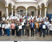Entrega de escrituras a familias del Fraccionamiento Rincón de las Manguitas