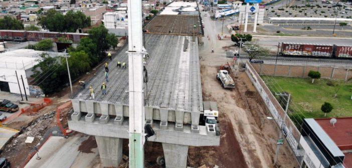 Registra Puente Vehicular en Avenida Irrigación avance del 69%