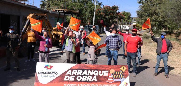 Red de drenaje sanitario en calle Madero comunidad de la Presa de Huahuemba